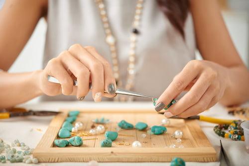 Biżuteria personalizowana - proces tworzenia